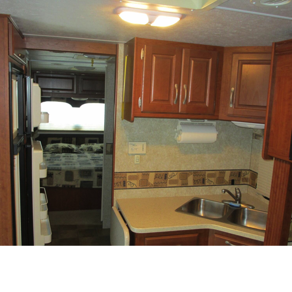 31′ Four Winds Hurricance 31D Motorhome #9