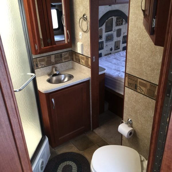 31′ Four Winds Hurricance 31H Motorhome #10